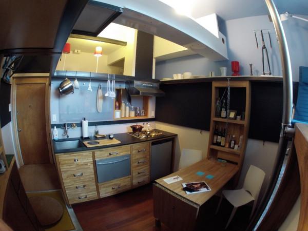 Seattle-Micro-Apartment-Steve-Saur-2-600x450